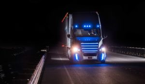 freightliner-autonomous-semi-truck-night-time-blue-1024x591